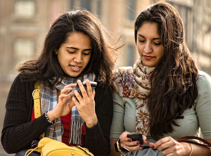 Friends_with_Mobile_Phones