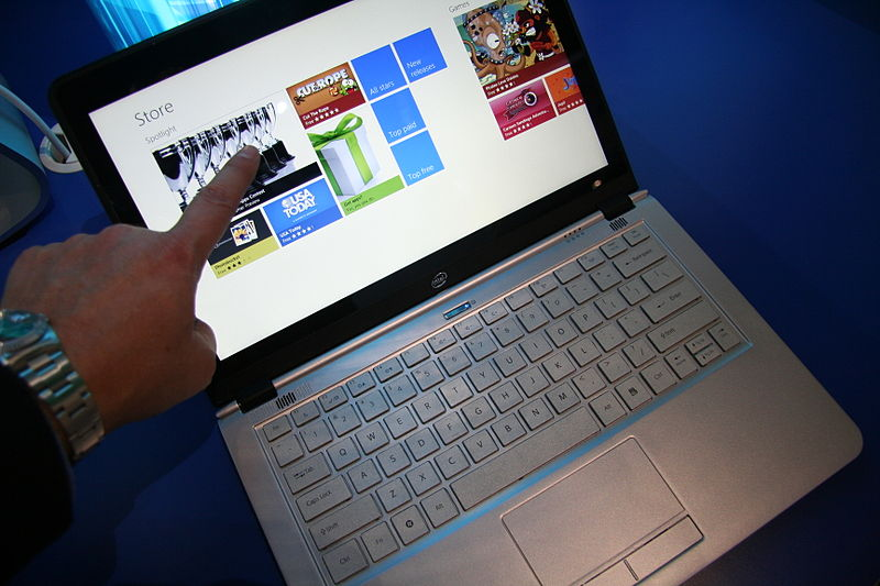 Online_Shopping_with_Touchscreen_Ultrabook